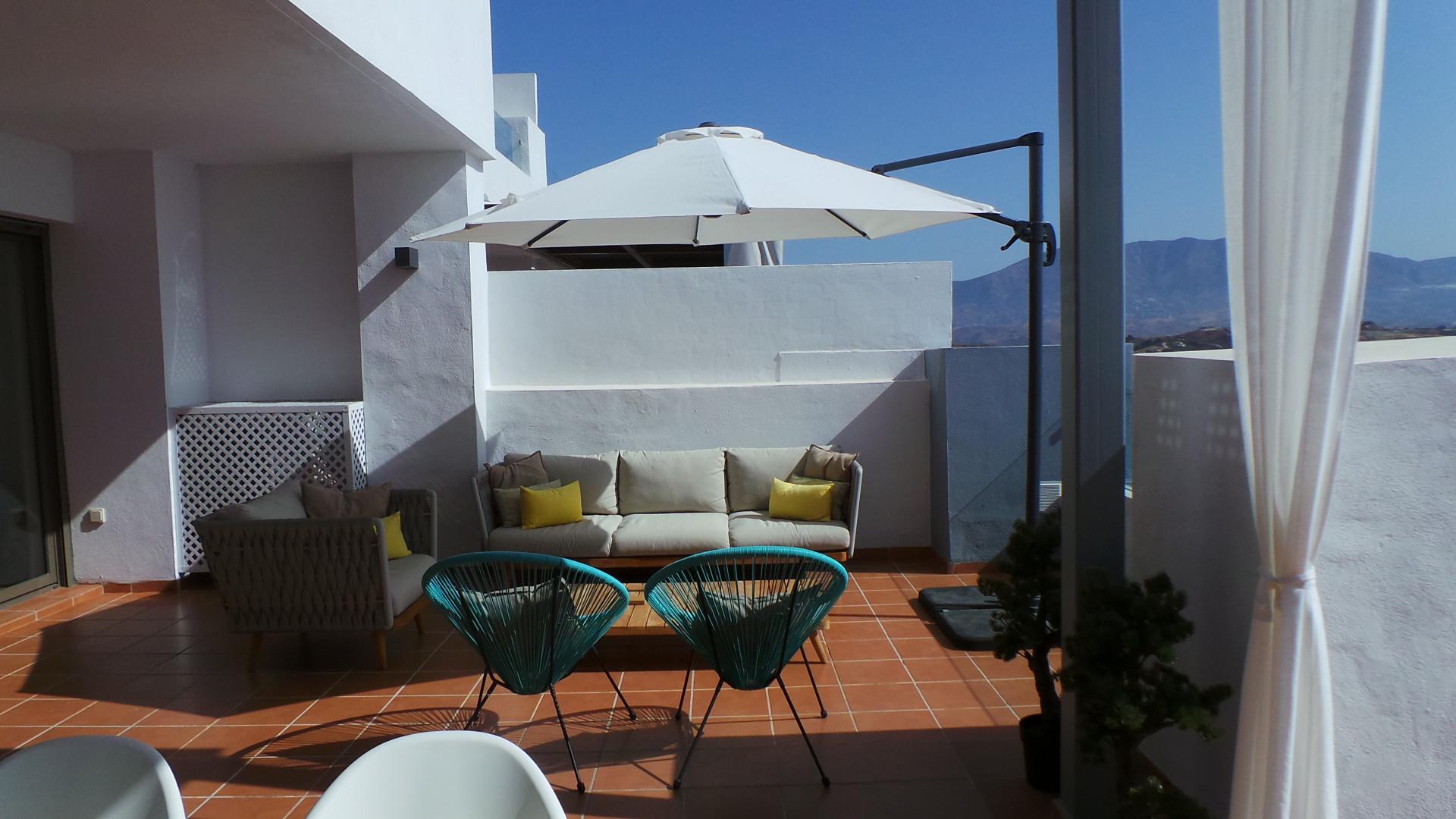 Appartement te koop met panoramisch zeezicht en de golfbaan voor de deur in Calanova Golf.PL149
