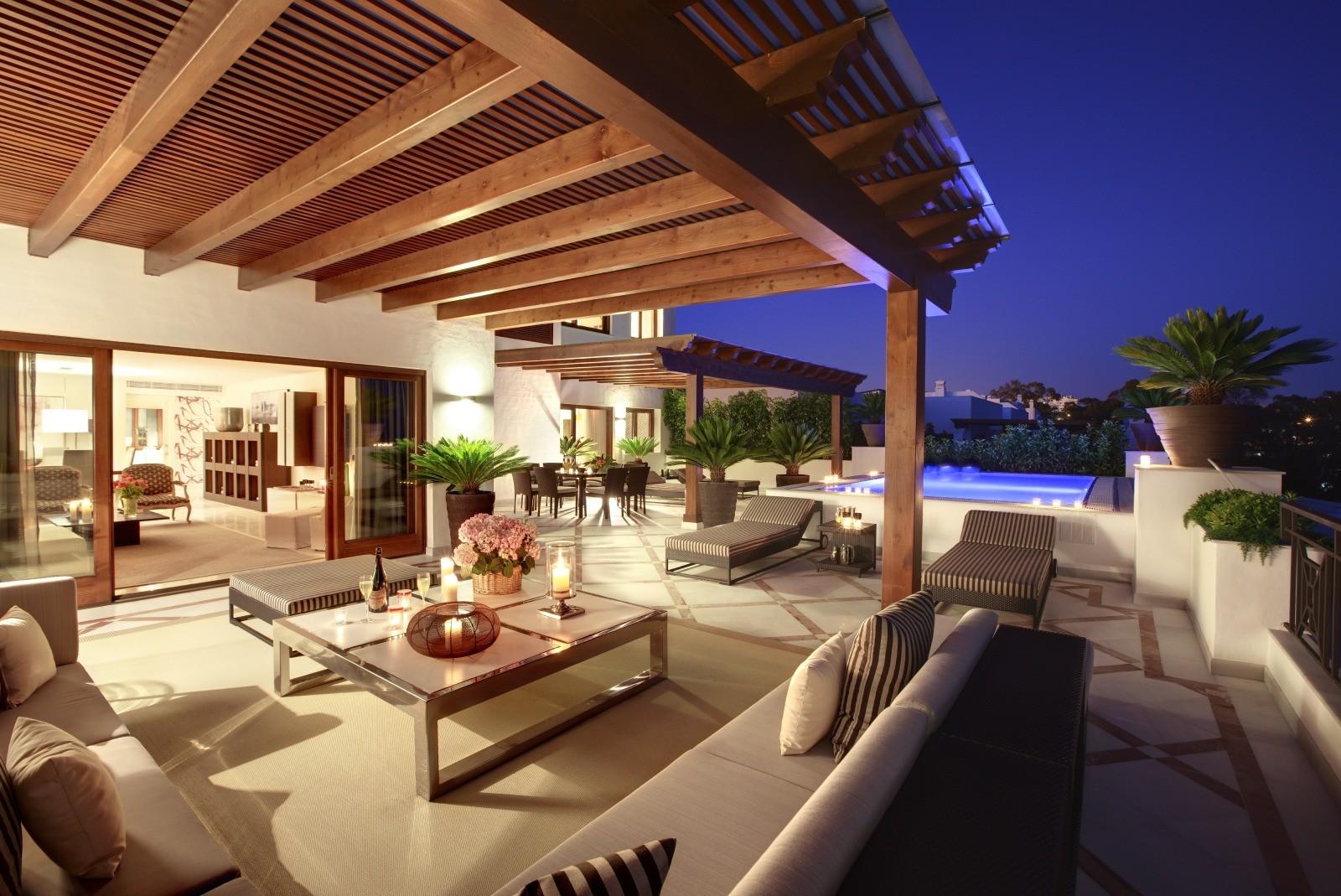 Appartementen en penthouses te koop eerstelijn strand Estepona PL.17